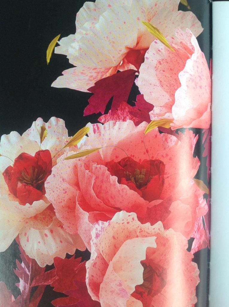 Papierblumen aus dem Buch